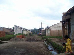 Area perumahan dengan jalan simpangan tunggal