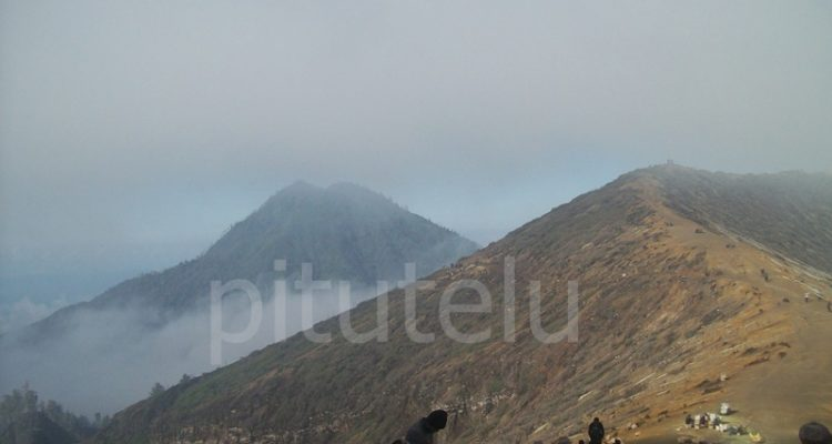 Gunung merapi Ijen